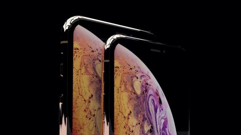 iPhone XS pokračuje v hype. Väčší model a zlaté prevedenie.