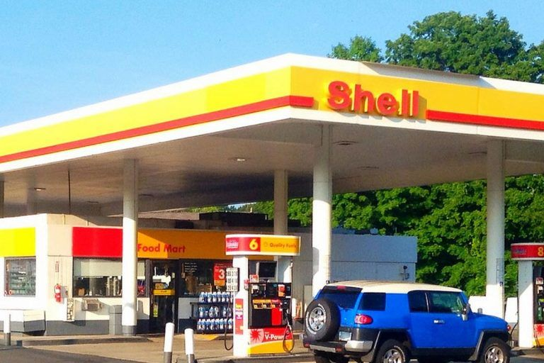 Tankujeme lacnejšie, ceny ropy konečne klesli